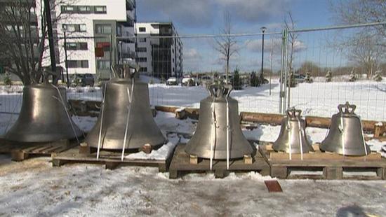 В Ласнамяэ освятили колокола звонницы строящейся православной церкви. Фото: err.ee