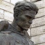 Бронзовый солдат. Монумент Павшим во Второй мировой войне, установленный в Таллине.