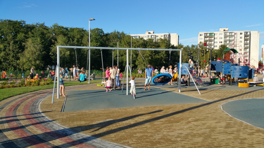 Игровая площадка для всей семьи по адресу Паасику 3. Фото Виталия Фактулина